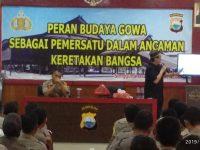 Diskusi budaya Polres Gowa bersama Ketua Yayasan Budaya Bugis Makassar Ahmad Pidris Zain di ruang Aula Endra Dharmalaksana. (MEDIATA.ID)